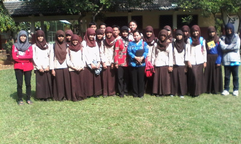 Building Innovative Solutions for Environmental Problems at SMA N 1 Bangsri, Bangsri Jepara