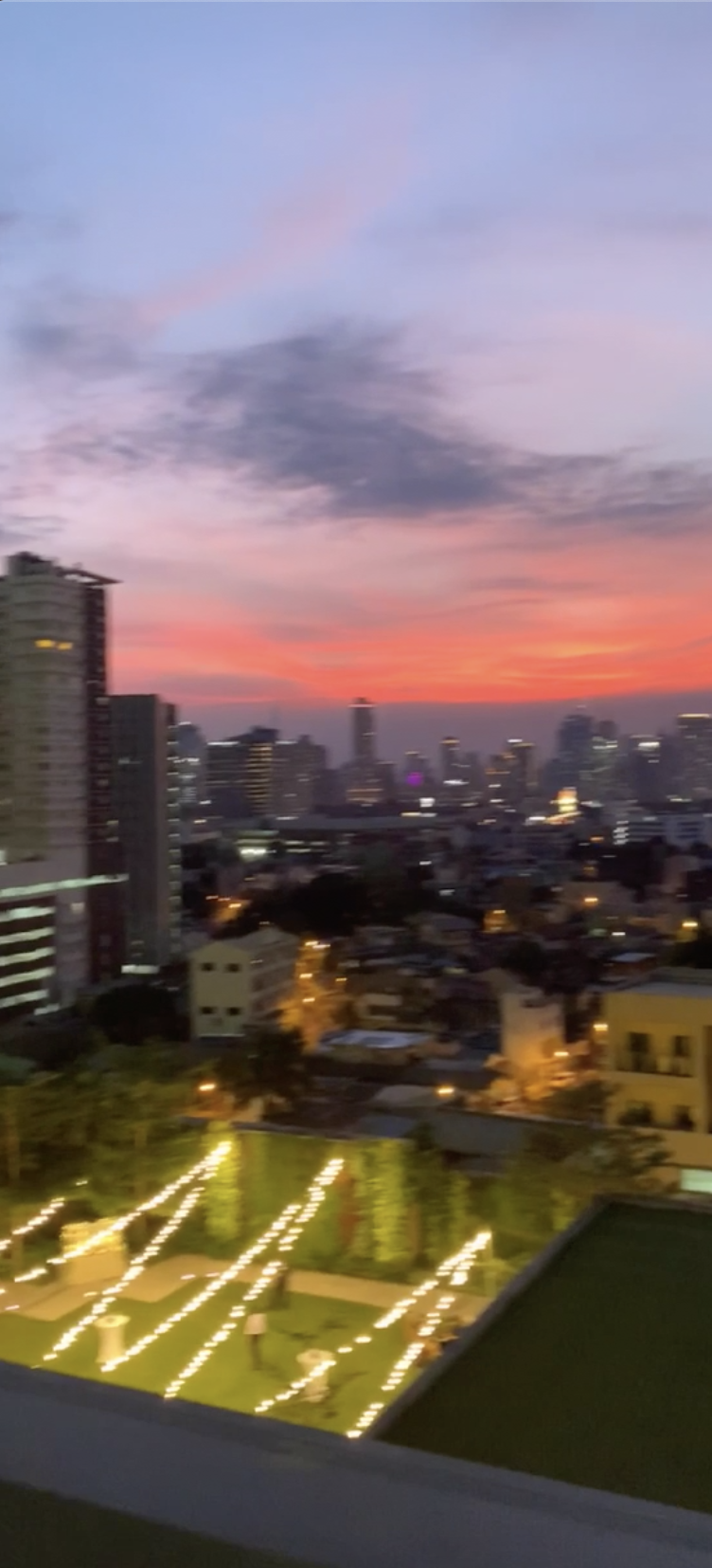 Watching the Manila Sunsets While Inhaling Smog (Air Pollution in the Philippines)