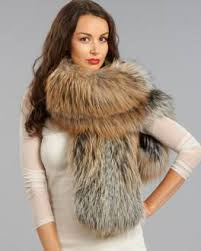 lady with fur muffler